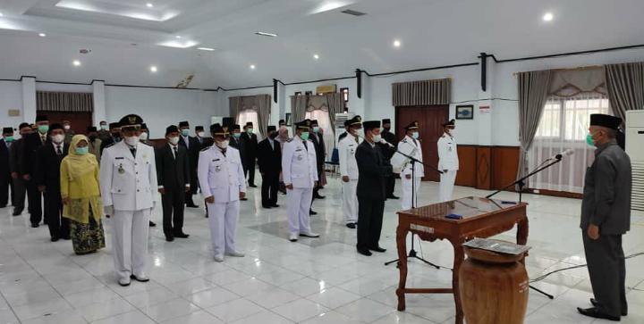 Bupati Adirozal Lantik Puluhan Pejabat Administrator dan Pengawas di Lingkungan Pemkab Kerinci