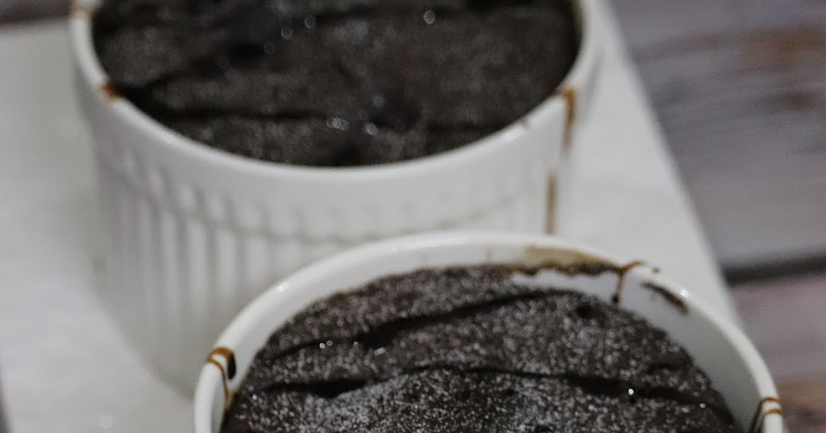 Easy 5 mins Microwave Eggless Chocolate Mug Cake Recipe ...