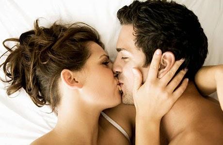 Foto Ciuman Bibir