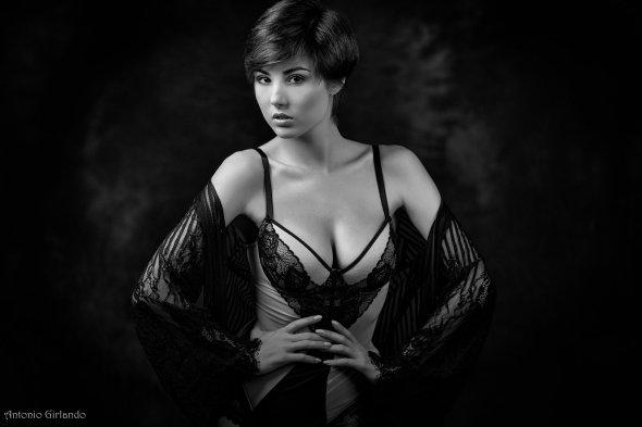 Antonio Girlando 500px arte fotografia mulheres modelos italiana sensual fashion Giorgia Soleri preto e branco beleza