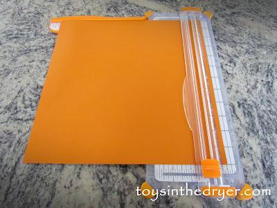 make a paper pumpkin