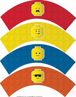 Toppers y Wrappers para Cupcakes para Fiesta de Lego para Imprimir Gratis.