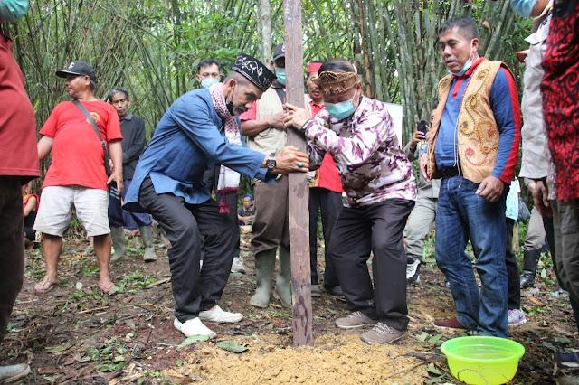 Rangkaian Peringatan Hari Jadi ke-405 Kota Sanggau, Wabup Sanggau Ikuti Ritual Adat Balek Angin Di Desa Lintang Kapuas