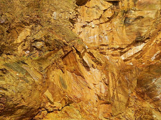 Cliff rocks at Porthpean, Cornwall