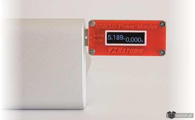 Napięcie na wyjściu wynosi 5,189V, czyli jest zgodne z deklaracjami producenta