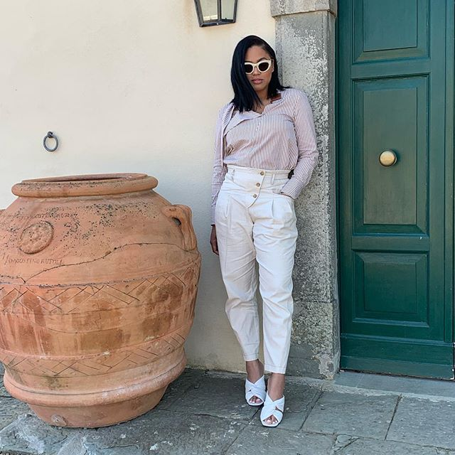 Ayesha Curry Hot & Sexy Pics