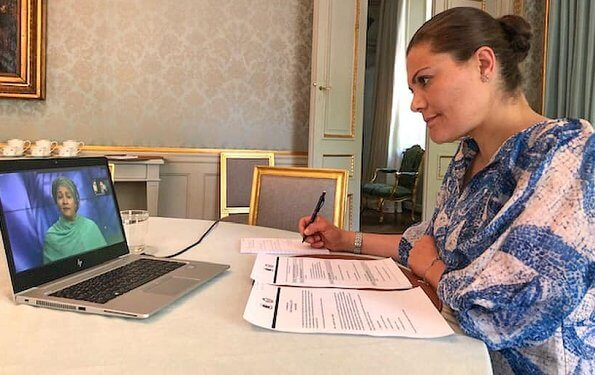 Crown Princess Victoria wore a mosaic-patterned silk dress by H&M