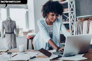 7 خطوات لبدء الأعمال التجارية عبر الإنترنت من الملابس