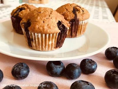tojásmentes, muffin,  áfonyás muffin, zabpelyhes, egészséges, reform, tönkölybúzaliszt, zabpehely, áfonya, recept, vegán, vegetáriánus