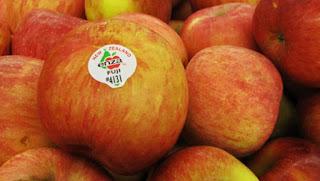 kenali makna dibalik stiker yang menempel pada buah, sebelum membelinya