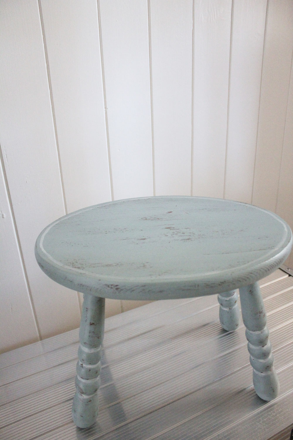 stool makeover Itsy Bits And Pieces