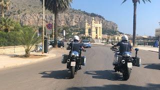 Rafforzati nel weekend i controlli a Mondello: fermati in tre su uno scooter elettrico c'era anche una donna incinta
