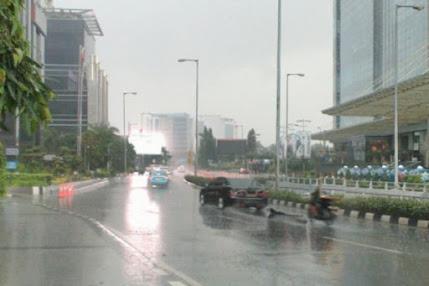 Hari Ini Jakarta Kembali Bakal Diguyur Hujan Disertai Petir dan Angin Kencang