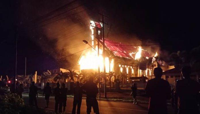 Sedih, Gereja Imanuel Gamsungi Hangus Terbakar