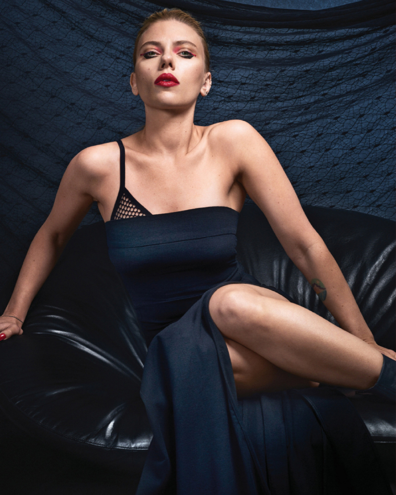 scarlett johansson fashion sexy red bold lips