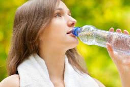 Pentingnya Banyak Minum Air Putih Untuk Menjaga Kecantikan Kulit Mu