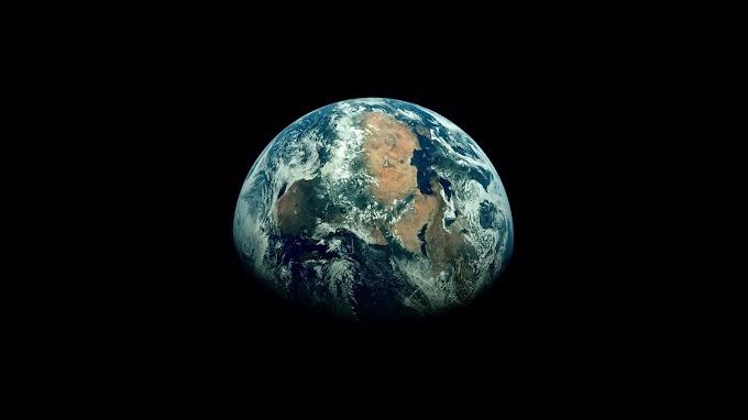 Papel de Parede Planeta Terra no Espaço