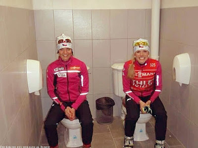 Doppel Toiletten Sochi - Olympia Sport Frauen Foto lustig