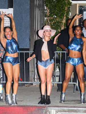Lady Gaga puts her bum on display