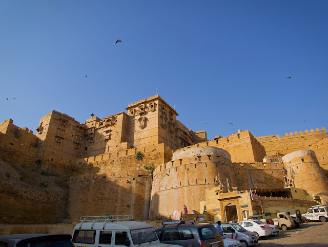 entrance of jaisalmer fort, golden fort, rajasthan, www.azexpalained.com