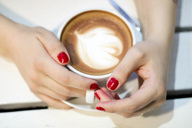 Essie, kynsilakka, Forever yummy, kauneus, manikyyri, täydellinen punainen,