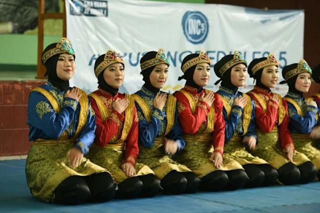 Kesenian Tari Saman Aceh Adalah