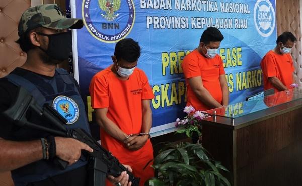 BNNP Kepri Amankan Puluhan Bungkus Teh Cina Isi Sabu Asal Malaysia Tujuan Riau