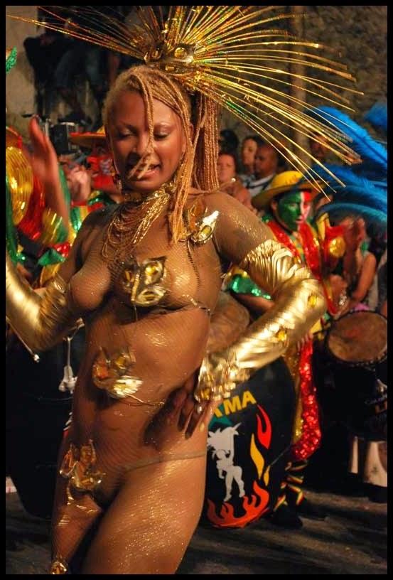 Carnaval. Desfile de Llamadas, La Llama sigue Encendidai. 2010.