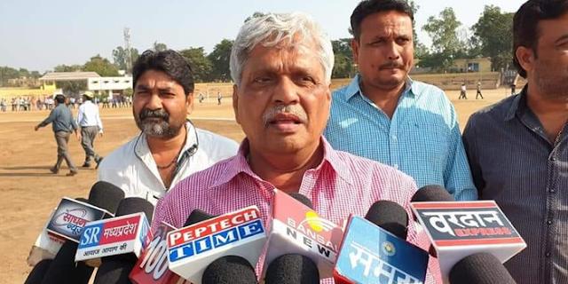 CHHATARPUR पहुंचे प्रभात झा, कोई मिलने ही नहीं आया | MP NEWS