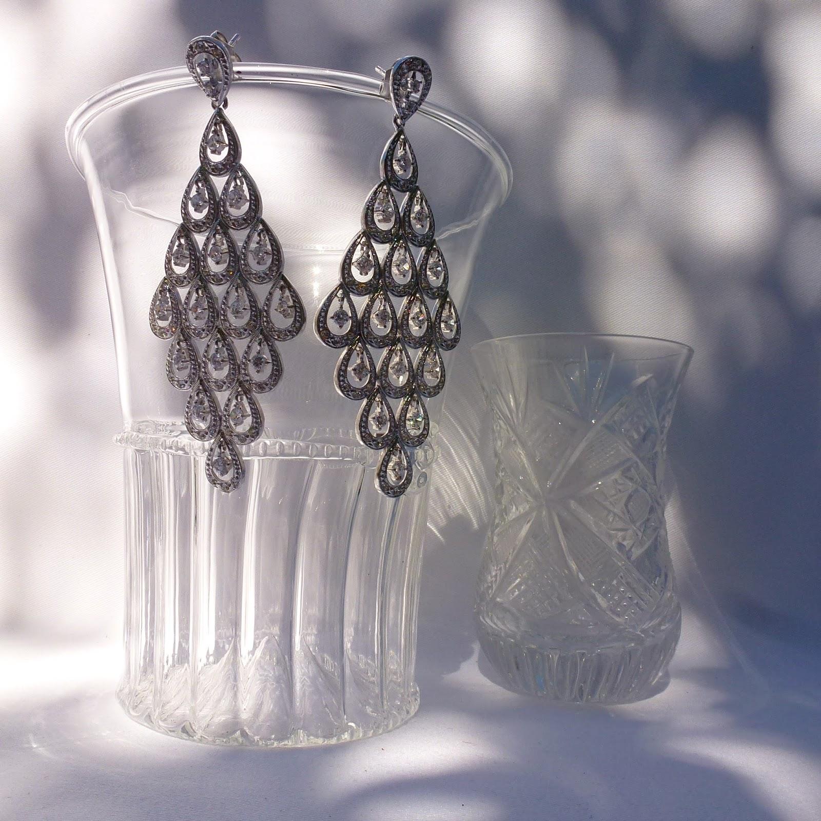 f2113cf9786b Complementos para un look color plata   how to accessorize a silver ...