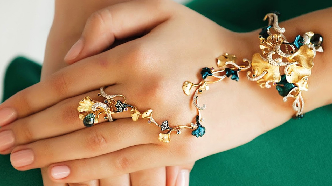 Gold and Silver Fashion Jewelry in the Heart of Phuket