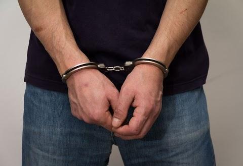 Futócipővel akart megvesztegetni egy gyulai börtönőrt