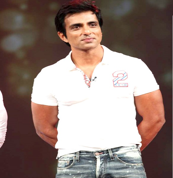 Russian woman trapped in India due to lockdown, Sonu Sood will help her in getting home