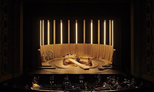 Mahler's Das Lied von der Erde staged at the Staatsoper Stuttgart this Summer