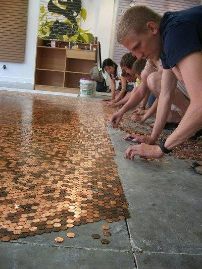 pisos hechos de monedas