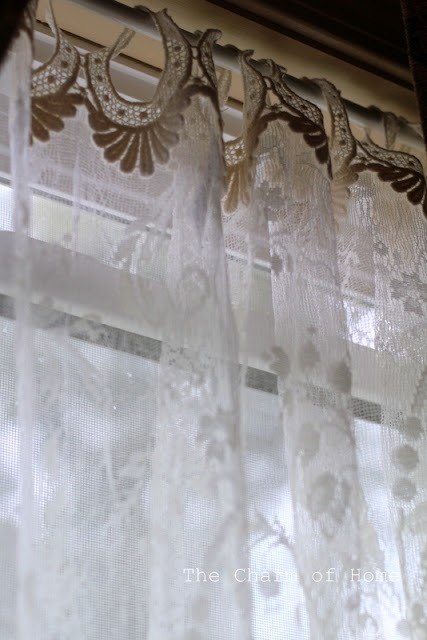Coventry Lace Panel: The Charm of Home