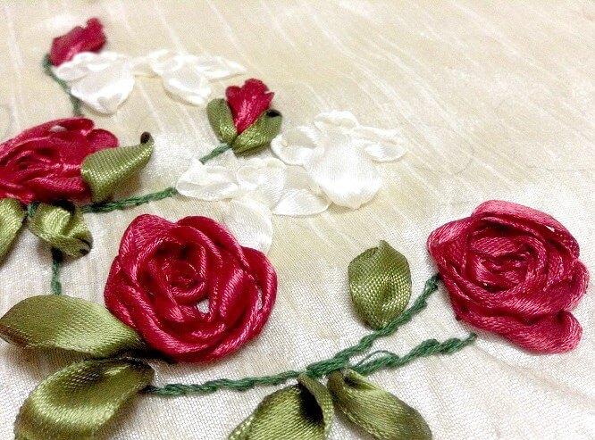 Thêu mũi Spider Web Rose bằng ruy băng - Hình 1