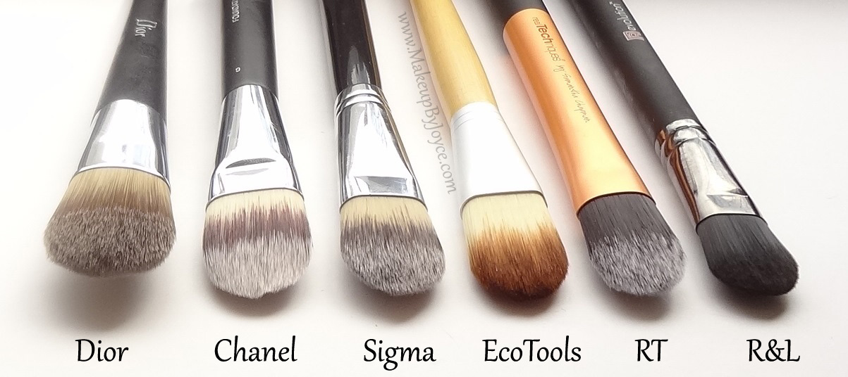FOUNDATION BRUSH : Types of Makeup Brushes