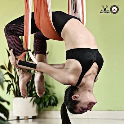 Aerial Yoga Brasil, Portugal, Hoje apresentamos a você Heidi Contreras, 18 anos, professora certificada de AeroYoga®