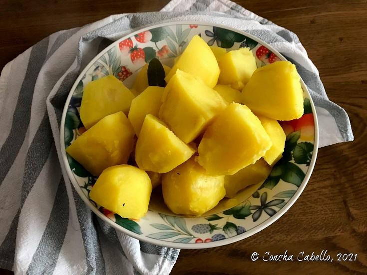 patatas-curry-mesa