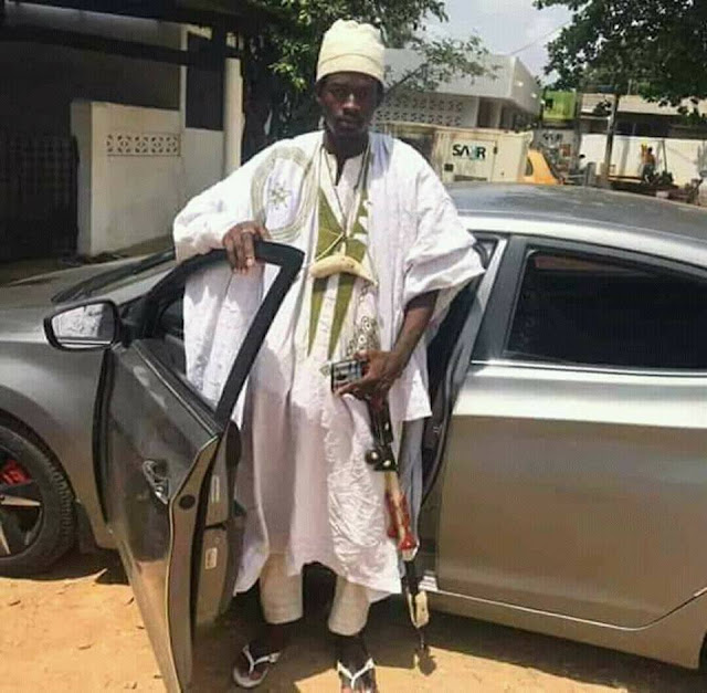 ogunnnn - Native Doctor Poses With Dollars And Other Foreign Currencies In Ogun State (Photos)