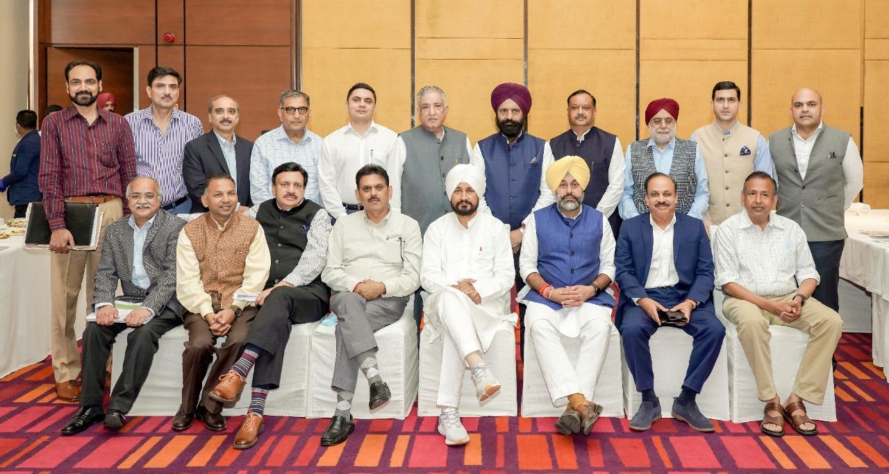 मुख्यमंत्री ने शीर्ष निवेशकों को पंजाब की बढ़ रही निवेश संभावनाओं का लाभ उठाने के लिए किया प्रेरित