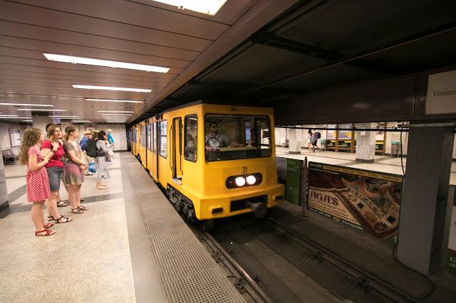 Metro per il Parco Municipale di Budapest