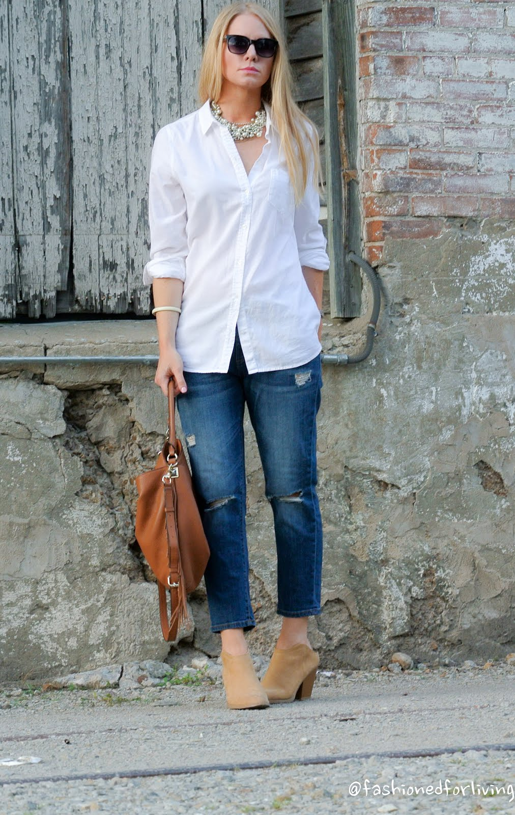 Fashioned For Living: Cropped Jeans Outfit With White