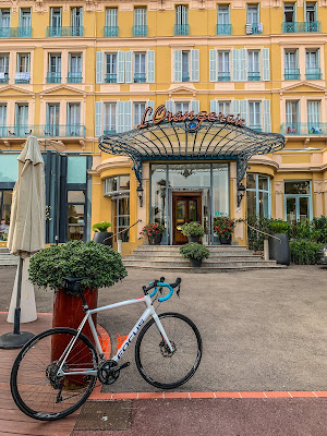 carbon road bike rental in Menton, cycling French Riviera Blue Coast