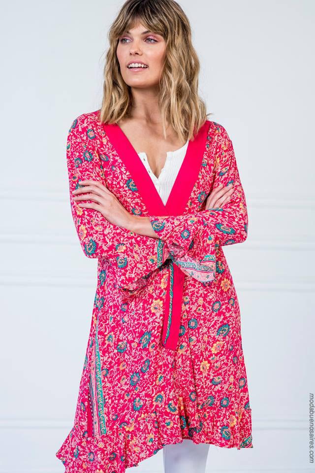 Túnicas de moda 2018. Verano 2018 looks de moda para mujer.