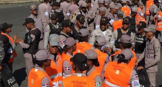 SANTO DOMINGO: Las protestas de Leonel del Congreso a la JCE la militarizan