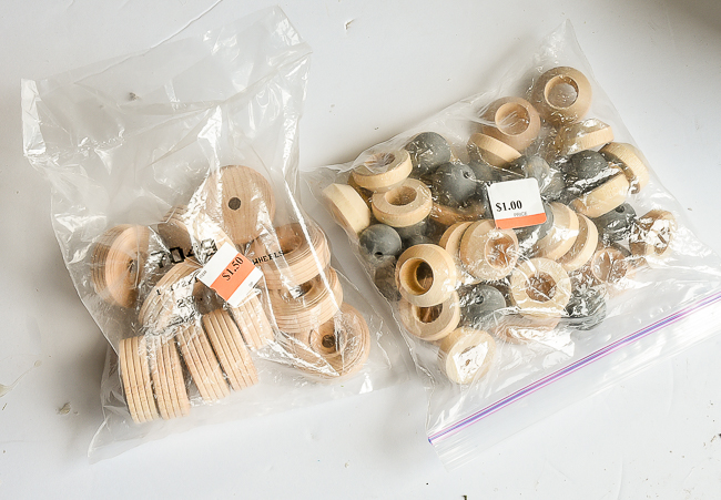 Wood beads and wheels for Scnadi ornaments