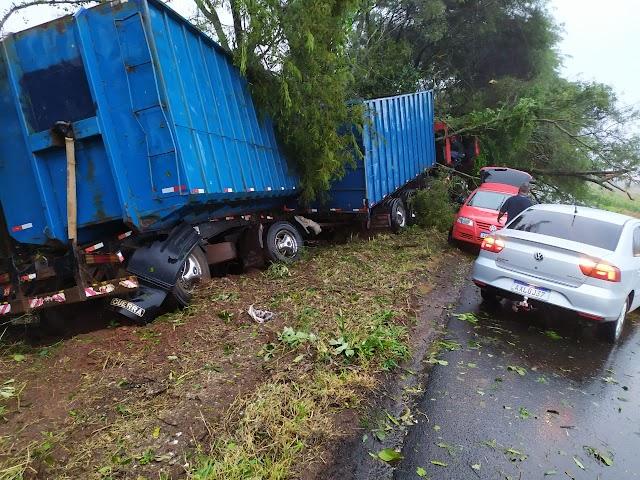 Acidente na Rodovia Vassilio Boiko, entre Iretama e Roncador
