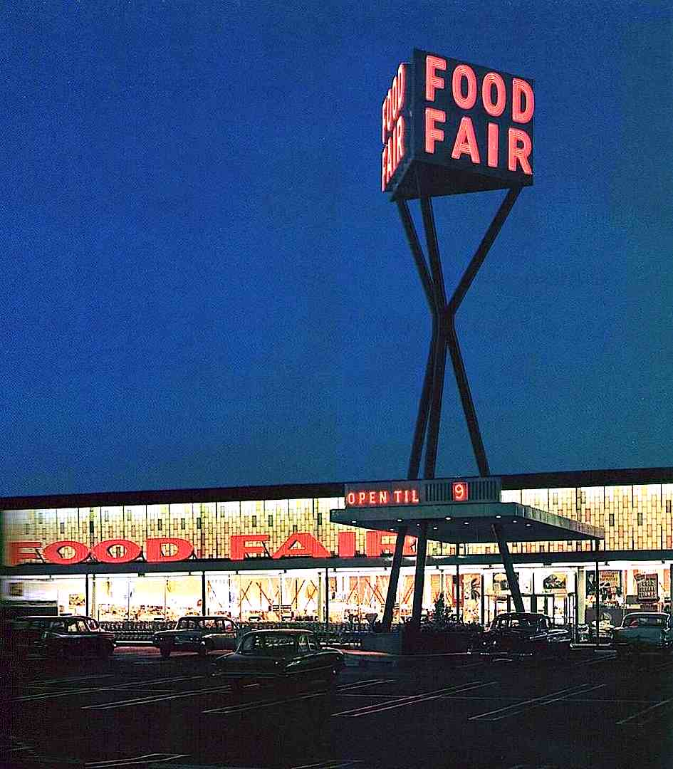 a 1960 Food Fair grocery store tower